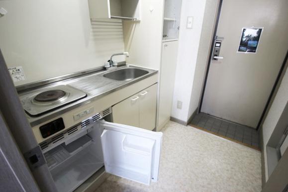 キッチン(ミニ冷蔵庫)