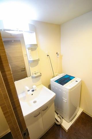 独立洗面台、室内洗濯機