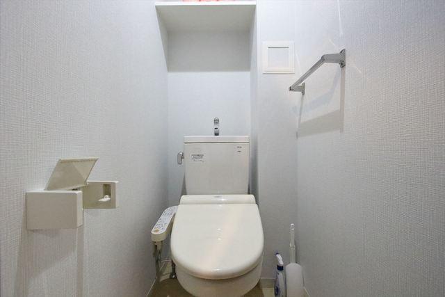 トイレは温水洗浄便座付きです♪