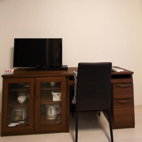 テレビは32型液晶テレビ