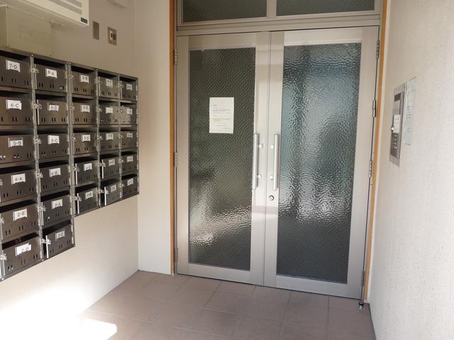 物件正面玄関オートロック