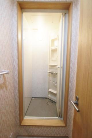 シャワールーム4室
