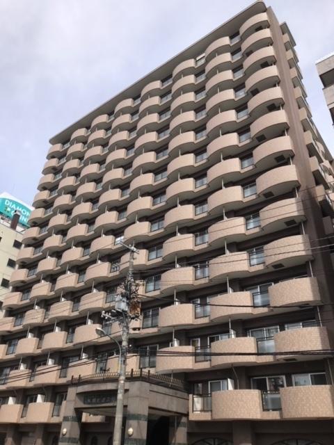 鉄筋14階建ての高級マンスリーマンション