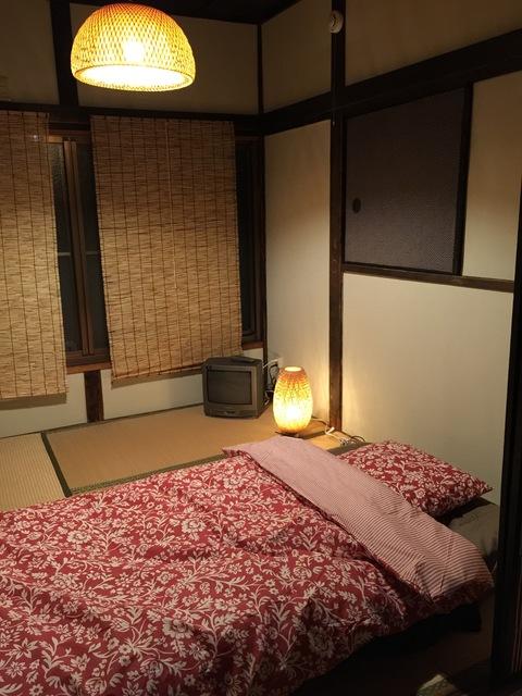 シングル布団3枚敷ける2階の寝室です。