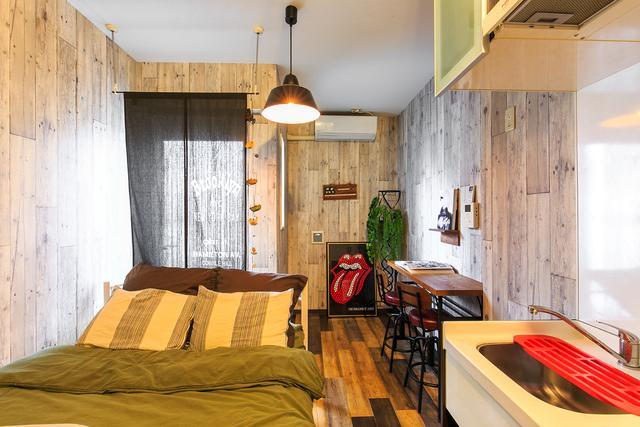 木目調クロスでデザインした部屋
