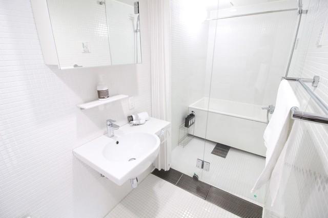 お洒落で清潔感のあるバスルーム/カーテンとドアの鍵有り