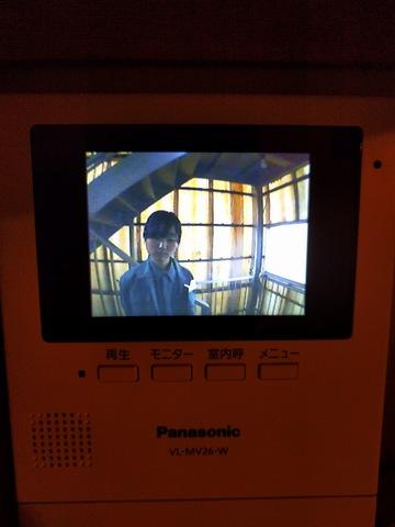 4階屋上専用のカラーモニターのドアホン有りカメラは4階階段に