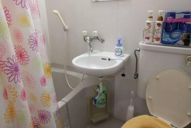 洗面及びトイレも一緒のユニットバスでございます