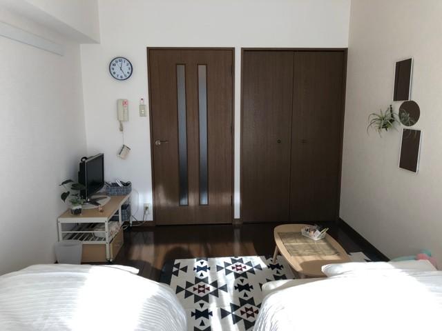 お部屋はツインでベットが2つあります。