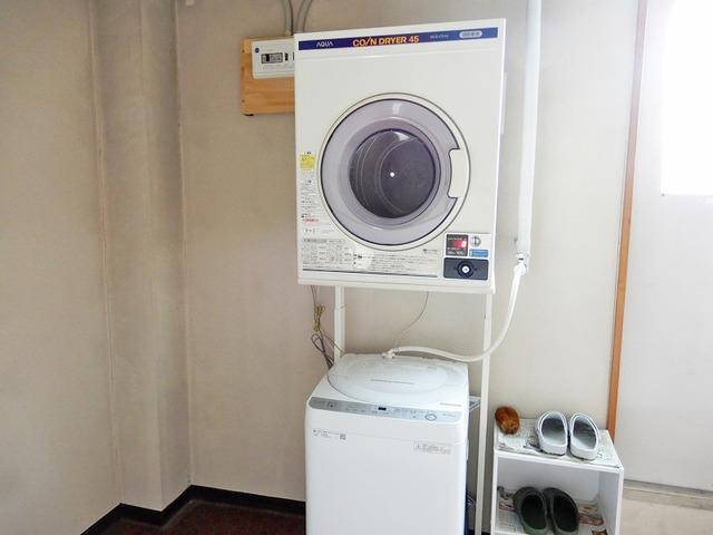 コイン式乾燥機、全自動洗濯機