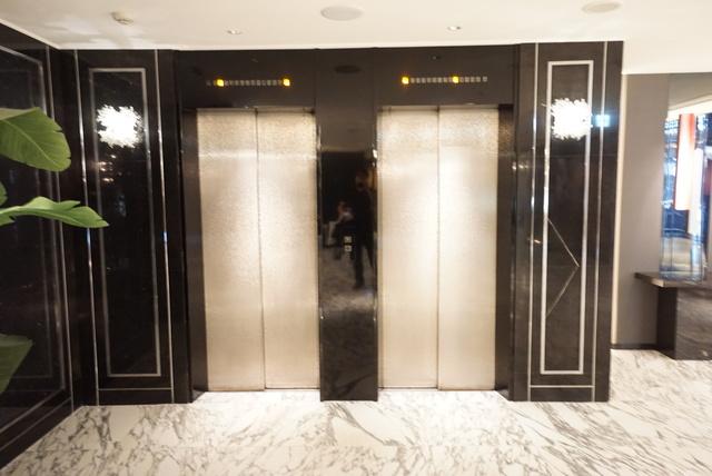 ホテル共有エレベーター