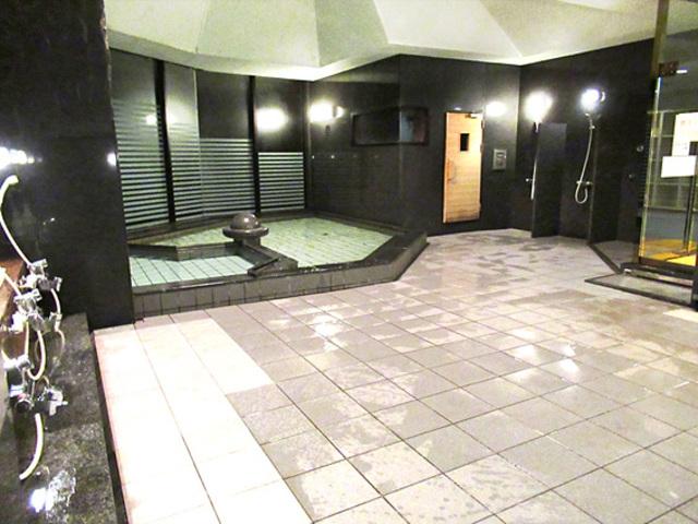 温泉大浴場(サウナ、ラドン温泉、泡風呂は季節営業)