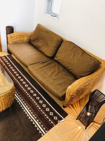 2~3人掛けのソファです。