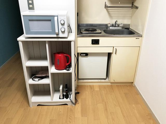 電気コンロ、電子レンジ、電気ケトル、冷蔵庫、ドライヤー完備!