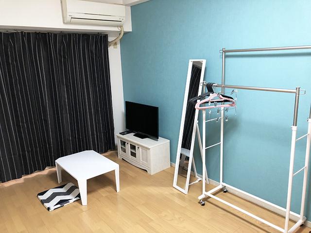 テレビ、DVDレコーダー、全身鏡、机、ラック、掃除機完備!