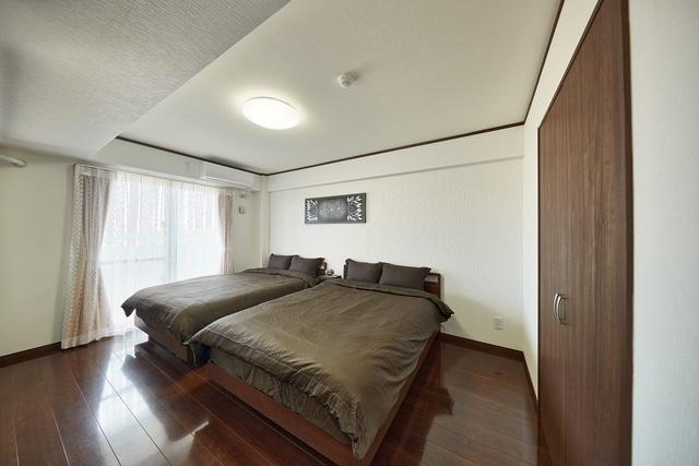 ベッドルームは2部屋ございます