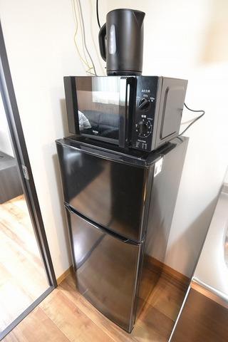 冷蔵庫130ℓ・電子レンジ・ポット