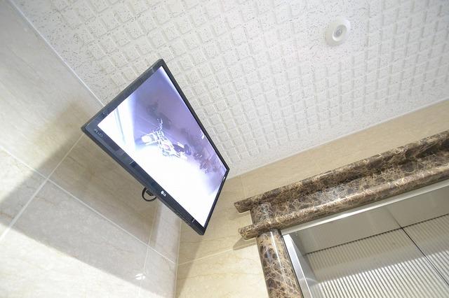 監視カメラ(エレベータホール前)設置