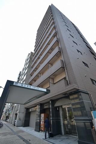 市内中心部にありながら閑静な区画にあるマンションです。